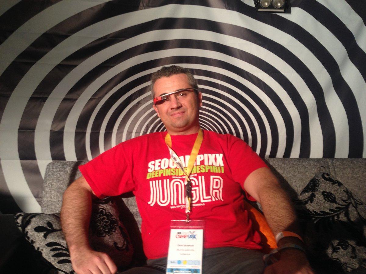 Chris Gotzmann auf der SEO Campixx mit Google Glass