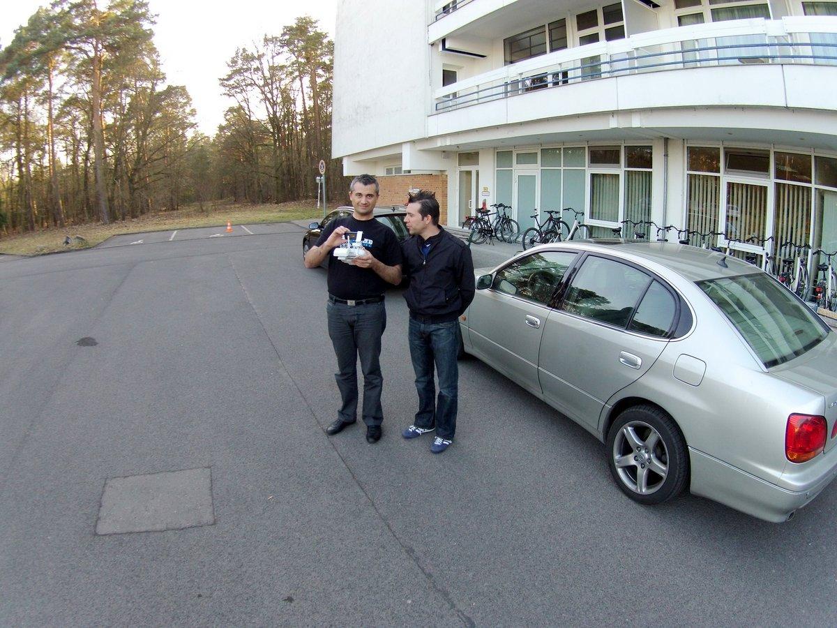 Chris Gotzmann mit Drohnenfernsteuerung